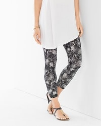 Live. Lounge. Wear. Crop Leggings Balmy Bloom White