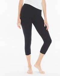 Live. Lounge. Wear. Crop Leggings Black