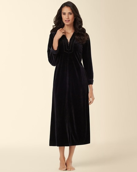 Black Velvet Robe/ Sizes: 1X-3X