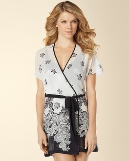 In Bloom by Jonquil Crochet Flower Border Short Wrap White/Black