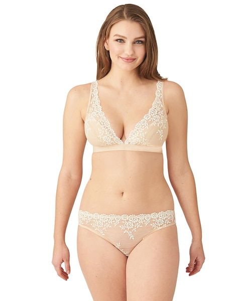 We offer lingerie on sale for women. Filter by size, color, brand, style, taste and price. Get Free Shipping on your orders at HerRoom.